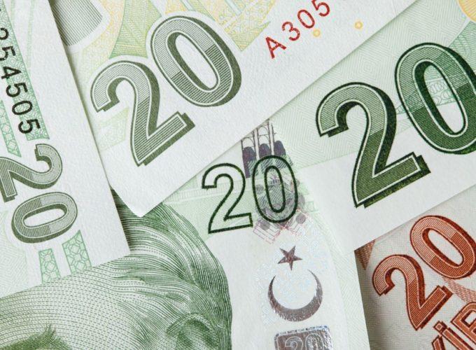 Euro oslabilo, akcie poklesly
