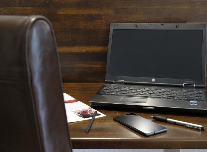 Co všechno hraje roli při výběru kancelářské židle?