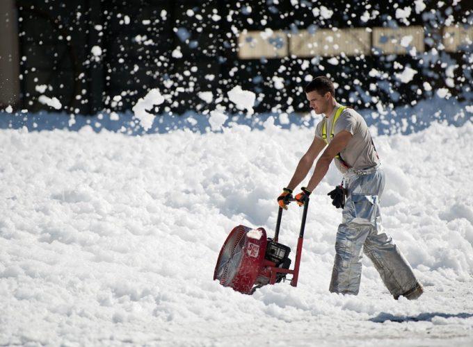 Jak vybrat ideální sněhovou frézu?